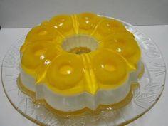 Como fazer gelatina com leite condensado. Se você quer fazer uma sobremesa simples, que não dê muito trabalho mas que fica com um aspecto bonito, então deve experimentar a gelatina com leite condensado. É muito simples de fazer, leva poucos i...