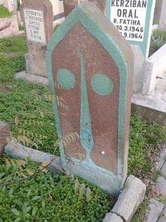 Türkiye. Konya. Üçler mezarlığı