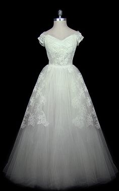 A gorgeous Christian Dior 1950s dress