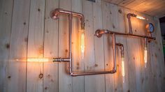 Industrial steel pipe wall light in copper with vintage edison light bulbs Modern Lounge lighting - Conduit Lighting, Track Lighting Fixtures, Pipe Lighting, Edison Lighting, Copper Lighting, Copper Wall Light, Copper Work, Lounge Lighting, Light In