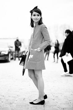 Fotos de street style en Paris Fashion Week: Miroslava Duma  http://www.vogue.es/galerias/fotos-de-street-style-en-paris-fashion-week/9416/image/710561