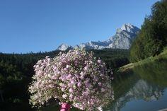 Schleierkraut-Brautstrauß in rosa - Babies breath bouquet pink - Schleierkraut-Wolken in rosa und weiß - Sommerhochzeit in Bayern, Garmisch-Partenkirchen, Riessersee Hotel, Hochzeitshotel, Babies breath wedding