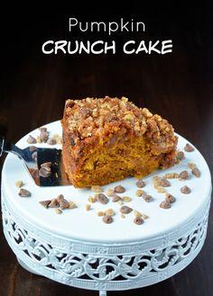 I am soooo loving this October Pumpkin Crunch Cake, Pumpkin Cake Recipes, Pumpkin Dessert, Pumpkin Spice, Just Desserts, Delicious Desserts, Dessert Recipes, Fall Desserts, Frosting Recipes