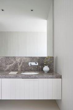 Vanity detail by Sally Caroline   Open House: 36 Lister Avenue Sorrento   Modern Australian interiors #modernbathroom