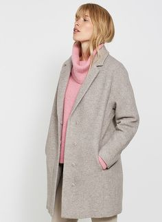 Embrace The Paler Tones Of Winter In This Chic Oatmeal, Wool Blend Coat. In An Easy, Relaxed Silhouette - Perfect For Chucking On Over Jeans And Knits Or Dresses As A Stylish And Warm Statement Piece.