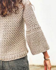Details 😍 #WAKxSantaPazienzia @santapazienzia Crochet T Shirts, Crochet Cardigan, Crochet Clothes, Knit Crochet, Crochet Designs, Knitting Designs, Knitting Blogs, Crochet Woman, Crochet For Beginners