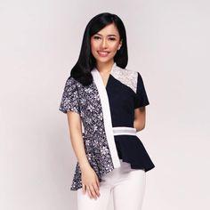 Blouse Batik, Blouse Dress, Stylish Outfits, Fashion Outfits, Batik Fashion, Hijab Fashion Inspiration, Blouse Models, Trendy Fashion, Dresses For Work