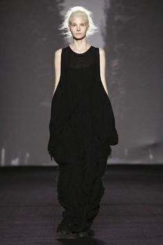 Uma Wang Ready To Wear Fall Winter 2014 Milan - NOWFASHION