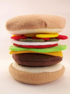 Felt Food Burger Eco Friendly Pretend Play Food for Childrens Toy Kitchen… Kids Play Food, Felt Play Food, Pretend Food, Pretend Play, Diy For Kids, Crafts For Kids, Food Patterns, Felt Books, Fake Food