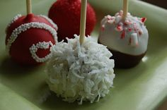 Cake pops from Tailored Sweets: http://tailoryoursweets.blogspot.com/