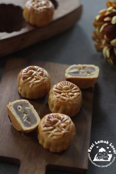 Nasi Lemak Liebhaber: Mini Lotus Mooncakes 广 式 莲蓉 迷你 月饼