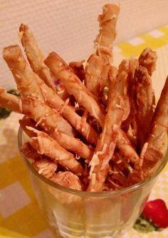 Ropi több féle változatban (zabpelyhes/ gluténmentes / paleo / tejmentes/ szénhidrát-csökkentett verzióban is) illetve zablisztes korong recept – Éhezésmentes karcsúság Szafival Onion Rings, Ethnic Recipes, Onion Strings
