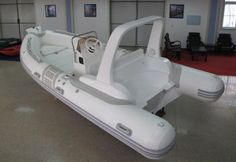 fiberglass rib 520c  1.2mm fabric 80L alu oil tank console as picture showed individual seat with ss304 handrail, like the picture showed ss304 roll bar or FPR roll bar with light the stroke plane empennage、boat cover、repairing kits, foot pump Max HP 70