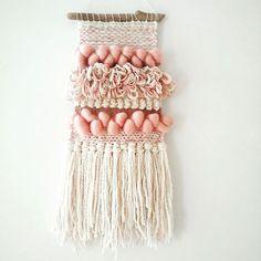 Sunday weaving #nomvolvankleur #madebynom #wallhangings #weaving #tapestryweaving