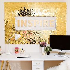 Dreaming of a perfect office...... Monday, we're coming for you. Office of @classyclutter ⭐⭐⭐️️️shop gold & glamorous office decor now ⭐⭐⭐️️️ www.rachelgeorge.com  we ship WORLDWIDE