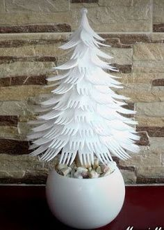 Looking for easy peasy Dollar Store Christmas Decor Ideas? Here is a wonderful collection of Dollar Store Christmas Decorating Ideas to help you out. Dollar Store Christmas, Christmas Tree Crafts, Christmas Projects, Holiday Crafts, Christmas Ornaments, Recycled Christmas Tree, Plastic Christmas Tree, Holiday Tree, Rustic Christmas