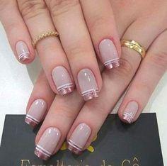 Nails art 10 Elegant Rose Gold Nail Designs That You Should Try Gold Nail Art, Rose Gold Nails, Cute Acrylic Nails, Glitter Nails, Glitter Art, Pink Nails, Gold Nail Designs, Nails Design, Elegant Nail Designs