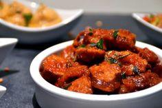 Découvrez la recette du traditionnel rougail saucisses. Ce plat typique créole est relevé et généreux. Celui-ci vous emmènera sur l'île en un rien de temps.