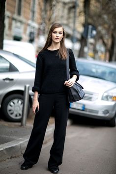 Milan Fashion Week: Women's Street Style Fall 2016 Day 2 - The Impression Model Street Style, Street Style Women, Black Leather Jeans, Models Off Duty, Autumn Street Style, Minimal Fashion, Minimal Style, Comfy Casual, Model Pictures