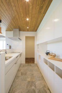 絶妙な小悪魔ハウス Kitchen Cabinets, Bathtub, Home Decor, Standing Bath, Bathtubs, Interior Design, Home Interior Design, Bath, Bath Tub