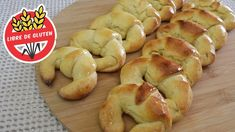 Medialunas sin TACC | Receta rápida de medialunas sin gluten Pan Dulce, Croissants, Bagel, Gluten Free Recipes, Sweet Recipes, Cooking Recipes, Keto, Sweets, Bread