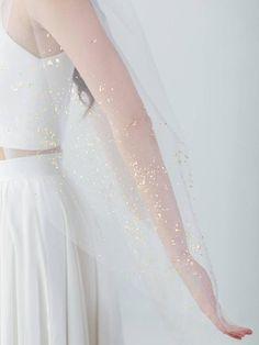 Gold Mica Flake Veil   Wedding Accessory   IMOGEN VEIL – Davie & Chiyo