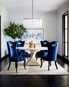 Elegant Dining Room, Luxury Dining Room, Dining Room Design, Round Dining Table, Dining Room Table, Dining Chairs, Round Tables, Lounge Chairs, Dining Room Inspiration