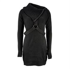 Kuscheliges Strick-Kleid mit einem coolen Gurt-Design auf der Front und am Rücken von Vixxsin. Mit einem warmhaltenden Kragen mit Reißverschluss. Dank des taillierten Schnitts, passt sich das Kleid Deinem Körper vorteilhaft an.