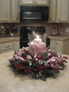 34 Christmas decorating ideas at home and the holiday table Christmas Gingerbread, Christmas Home, Christmas Holidays, Christmas Wreaths, Christmas Crafts, Christmas Ideas, Christmas Kitchen, Holiday Ideas, Christmas Paper