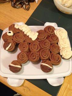@KD Eustaquio Goode Horse cupcake cake