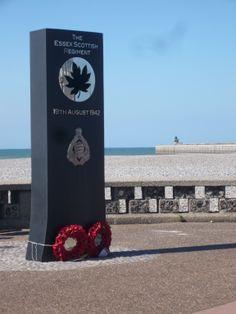Monument en hommage aux soldats canadiens tombés à Dieppe le 19 Août 1942 il se trouve sur la promenade de la plage