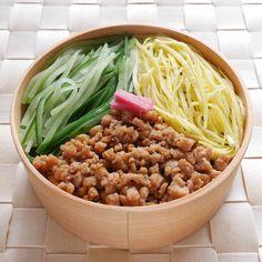 三色弁当(玄米160g、海苔)