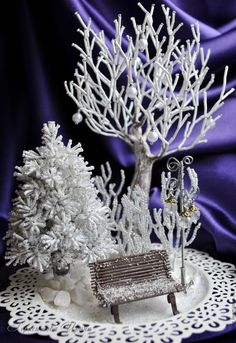 Best 11 Home Page for designer Lauren Harpster's handmade French Beaded Flowers. Custom made french beaded flowers, wedding bouquets, and French Beaded – SkillOfKing. Diy Christmas Village, Christmas Sewing, Christmas Villages, Christmas Ornaments, Bonsai Artificial, Diy Crafts Videos, Diy And Crafts, Floating Candles Wedding, French Beaded Flowers