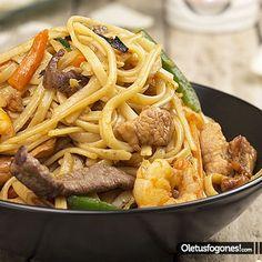 Tallarines tres delicias http://www.pinterest.com/sol_rosas/recetas-china-y-japonesa/
