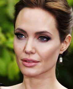 Angelina Jolie's Makeup Artist on Sculpting Cheekbones: How to Enhance Yours | Beautygeeks