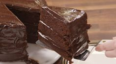 This \'Matilda\'-Inspired Chocolate Fudge Cake Will Bring Out Your Inner Bruce Bogtrotter