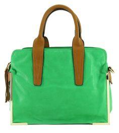 bolsa feminina, bolsa verde, verde limão, detalhe franjinha, vários bolsos, bolsinhos, bolso para celular, bolsa grande, bolsa retangular, detalhe dourado, couro sintético, couro ecológico. handbag, purse, green, lemon. #handbag #bolsa #moda #fashion #tendencia #lojadibella #bolsaverde www.lojadibella.com.br