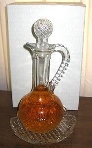 Vintage avon cruet cologne set - 8 fl. oz.  Had this on my dresser in high school