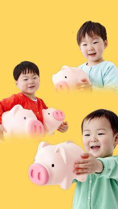 Daehan Minguk Manse -- Let's start saving! Song Il Gook, Superman Kids, Song Triplets, Dream Baby, Cute Songs, Little Pigs, Baby Pictures, Cute Kids, Baby Kids