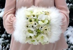 Wedding floral • For that winter wedding! Pinned by Marilyn Nogai