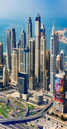 ʜᴏᴡ ʀɪᴄʜ ɪꜱ Dubai is one of the seven emirates in the United Arab Emirates, with the full name of the Emirate of Dubai, United Arab Emirates, and it is located in the Middle East. Dubai is a country built in the desert. Dubai Buildings, Famous Buildings, Amazing Buildings, Skyscrapers, Modern Buildings, Futuristic City, Futuristic Architecture, Amazing Architecture, House Architecture