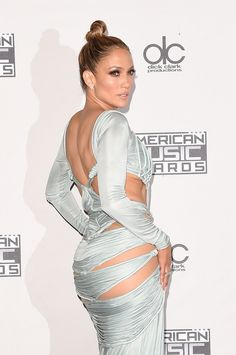 Jennifer Lopez Photos - 4243 of 22847 Photos: 2015 American Music Awards - Press Room - American Music Awards, Beautiful Celebrities, Beautiful Actresses, Vaquera Sexy, Jennifer Lopez Photos, Latin Women, Mode Chic, Sexy Dresses, Celebrity Style