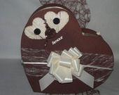urne de mariage coeur dans les tons chocolat et ivoire : Boîtes, coffrets par kpf-deco