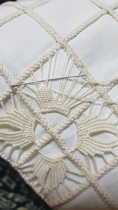 Image gallery – Page 435230751488635350 – Artofit Lesson one in crochet basic stitches and symbols for beginners – Artofit Hardanger Embroidery, Hand Embroidery Designs, Ribbon Embroidery, Embroidery Stitches, Embroidery Patterns, Crochet Patterns, Filet Crochet, Irish Crochet, Lace Beadwork