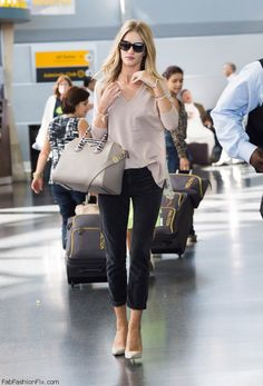Rosie Huntington-Whiteley street style , I love her style