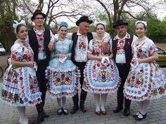 Kalocsai népviselet