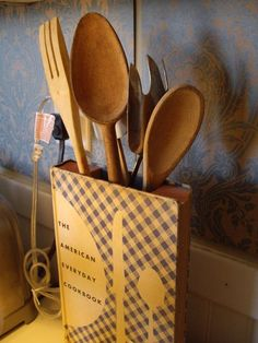 Old Cook Book, Into Utensil Holder