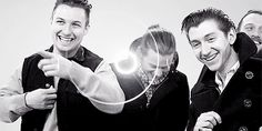 Love Nick and Jamie in the back haha Nick O'Malley Yellamo Salohcin Monkey Gif, Monkey Puppet, Arctic Monkeys, Matt Helders, The Last Shadow Puppets, Alex Turner, Music Like, Chimpanzee, People Like