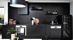DISEÑO DE INTERIORES: ¿Cocinas negras? Causa un alto impacto con ellas