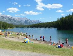 Johnson Lake , Lake Minnewanka Scenic Drive Banff National Park